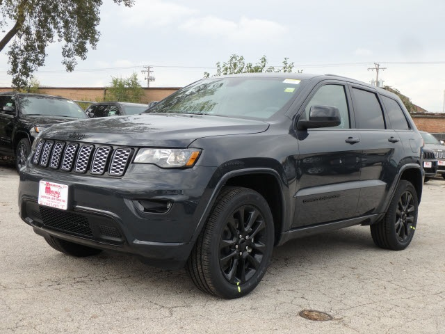 new 2018 jeep grand cherokee altitude sport utility in oak lawn 5132j 8 mancari 39 s chrysler. Black Bedroom Furniture Sets. Home Design Ideas