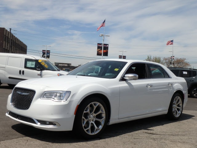 new 2017 chrysler 300 platinum sedan in oak lawn 33007 7 mancari 39 s chrysler dodge jeep ram inc. Black Bedroom Furniture Sets. Home Design Ideas
