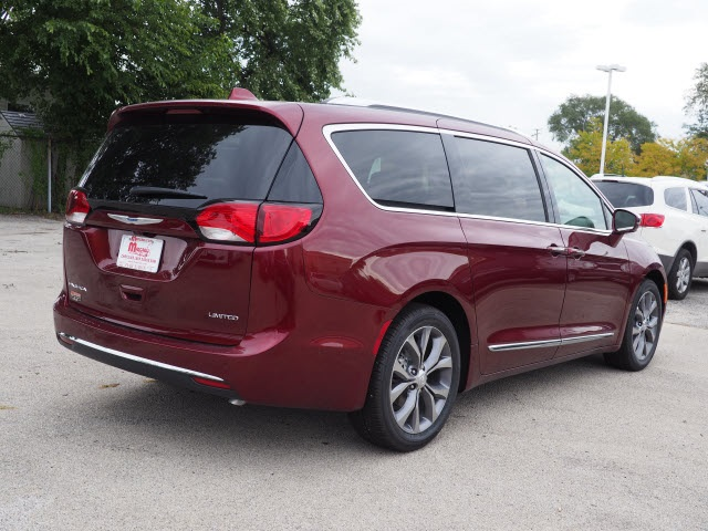 new 2019 chrysler pacifica limited passenger van in oak lawn 77011 rh mancari com