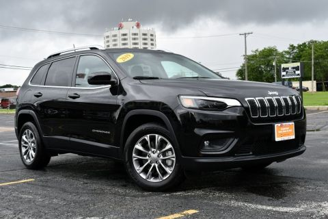 Pre-Owned 2019 Jeep Cherokee Latitude Plus BLUETOOTH BLIND SPOT BACKUP CAMERA